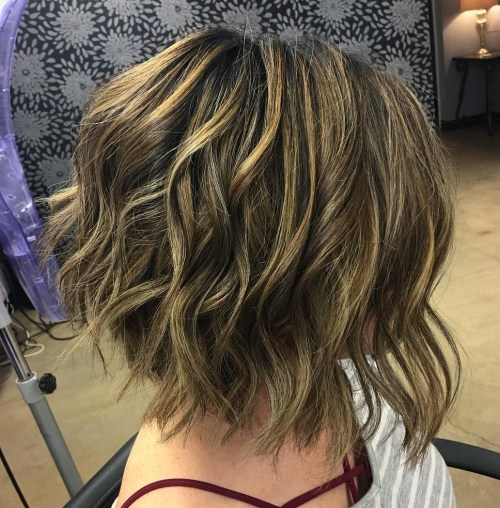 Disconnected Wavy Bob