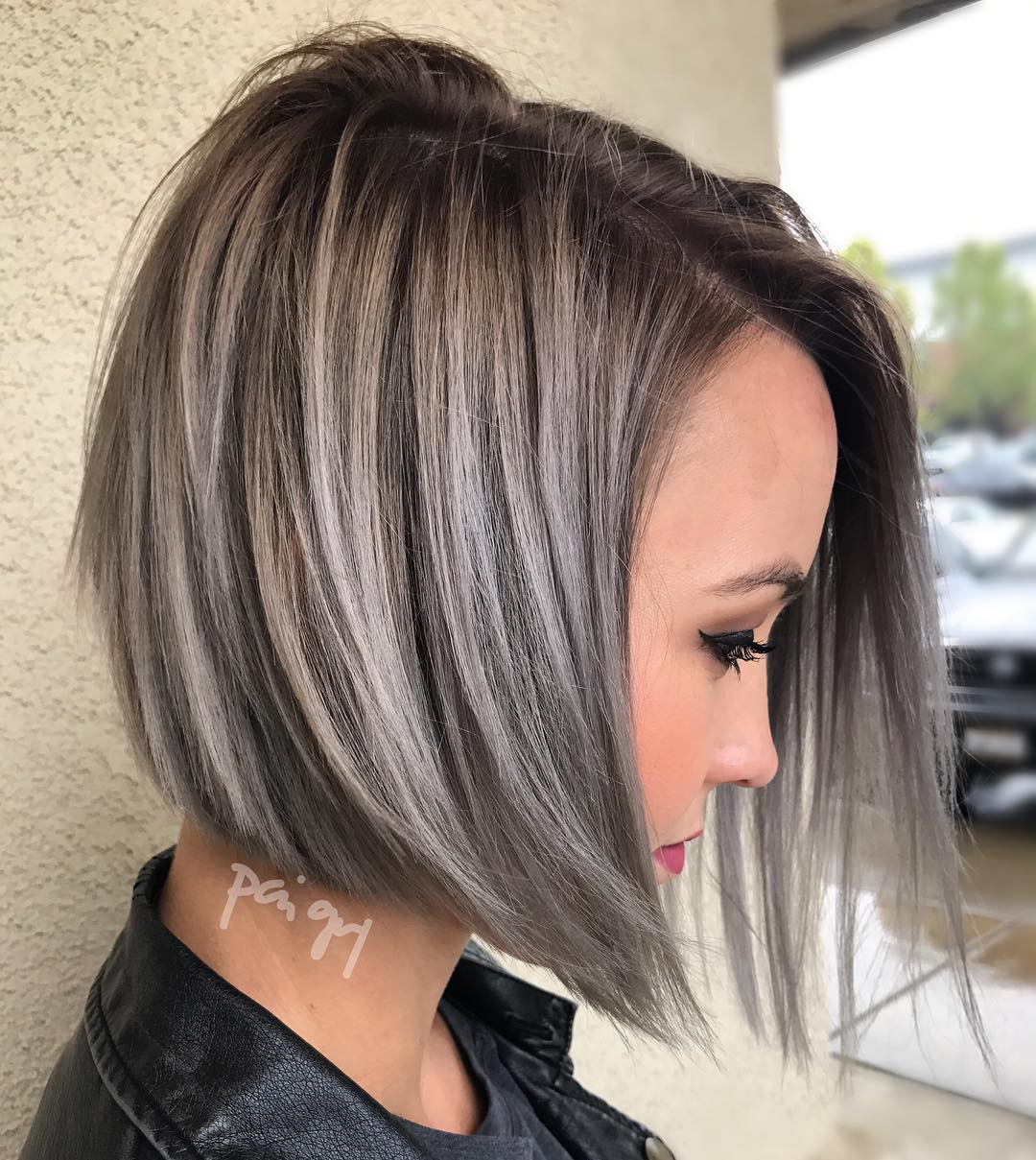 Fashion style Layered Short hairstyles pictures for lady
