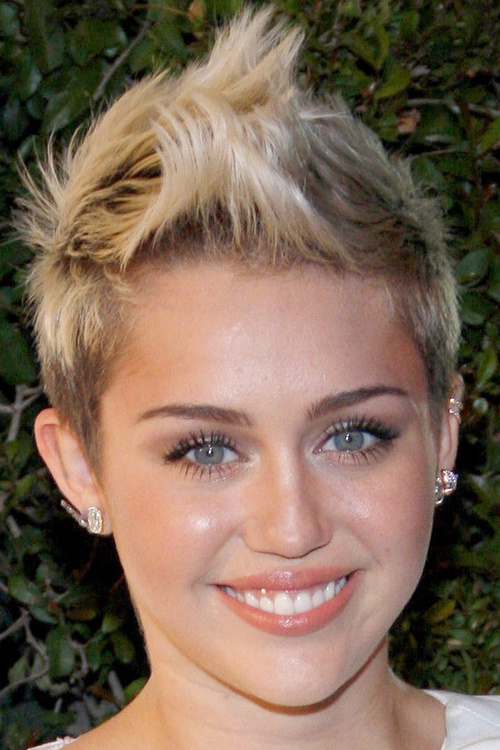 Outstanding 40 Bold And Beautiful Short Spiky Haircuts For Women Hairstyles For Men Maxibearus