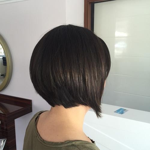 Short layered bob for thick hair