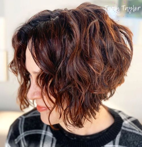 Layered Stacked Wavy Bob