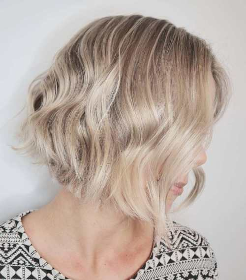 Chic Wavy Blonde Bob Haircut