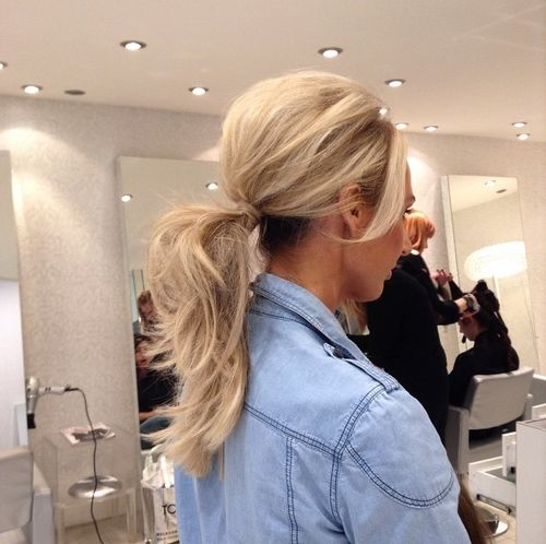 blonde ponytail for layered hair
