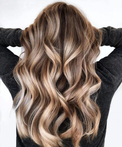 Shiny Bronde Balayage For Long Hair