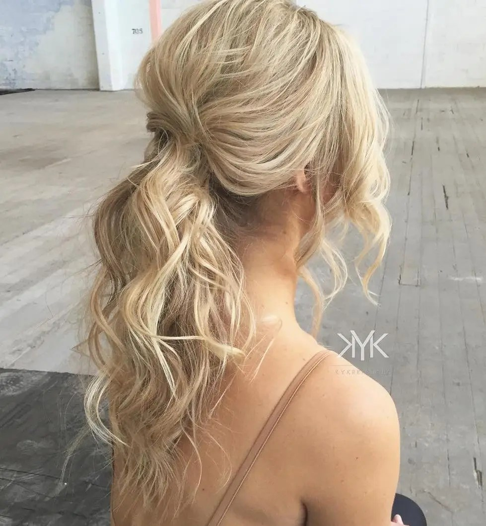 Wavy Blonde Ponytail