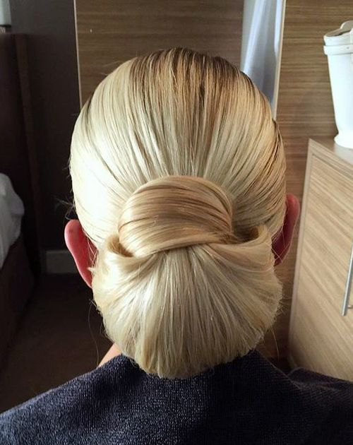 chic blonde chignon