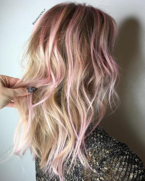subtle pink highlights for blonde hair