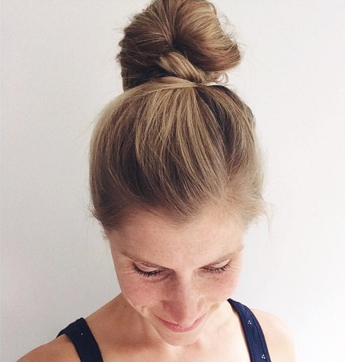 simple top knot bun