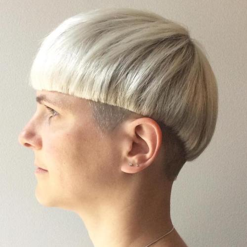 Precise White Blonde Bowl Cut