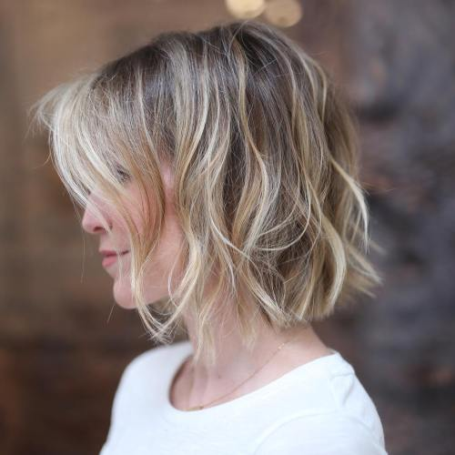 Wavy Messy Bob With Blonde Highlights