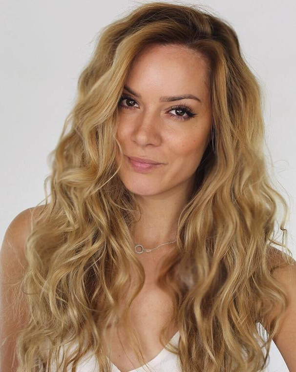 20 perfect ways to get beach waves in your hair heatless beach waves urmus Images