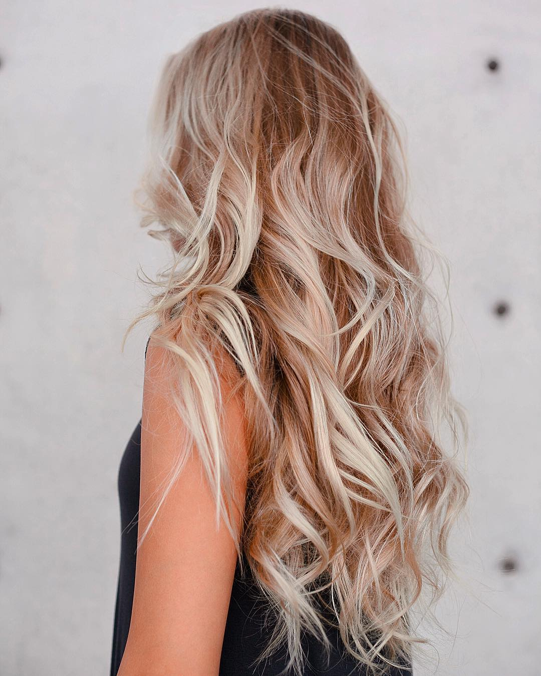 Wedding Hairstyle Beach: How To Get The Best Beach Waves Imaginable