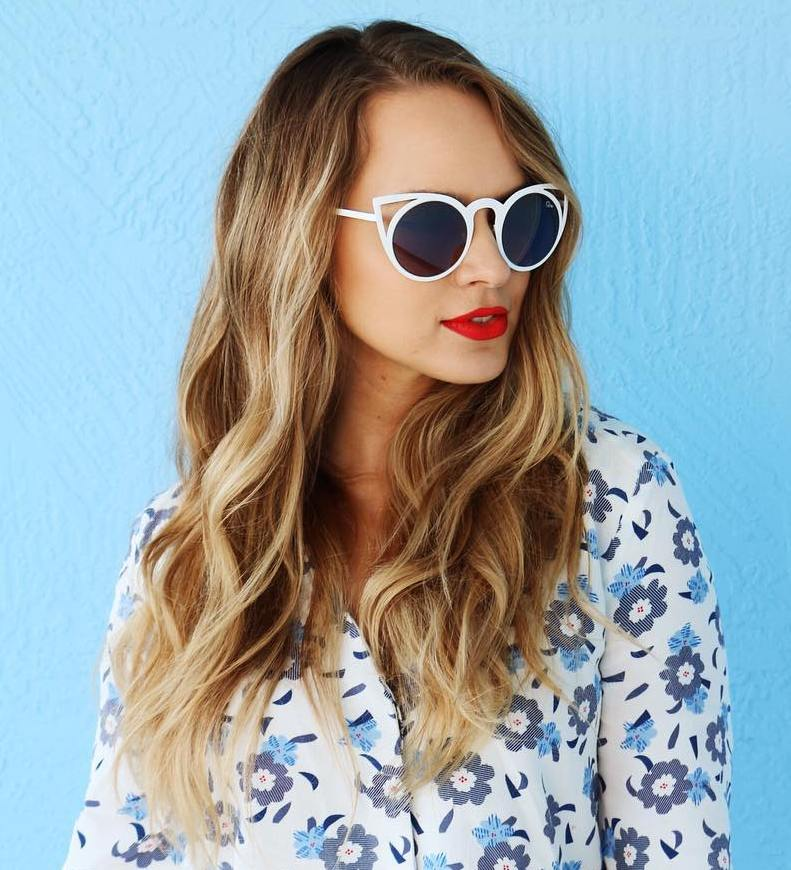Long Wavy Bronde Hairstyle
