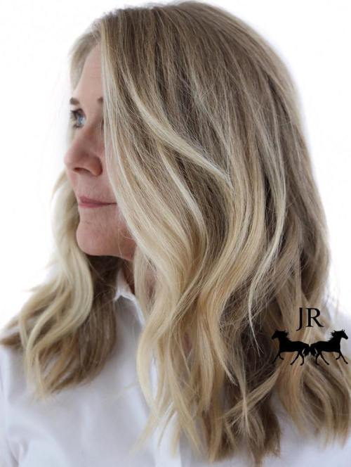 20 fun and flattering medium hairstyles for women of all ages