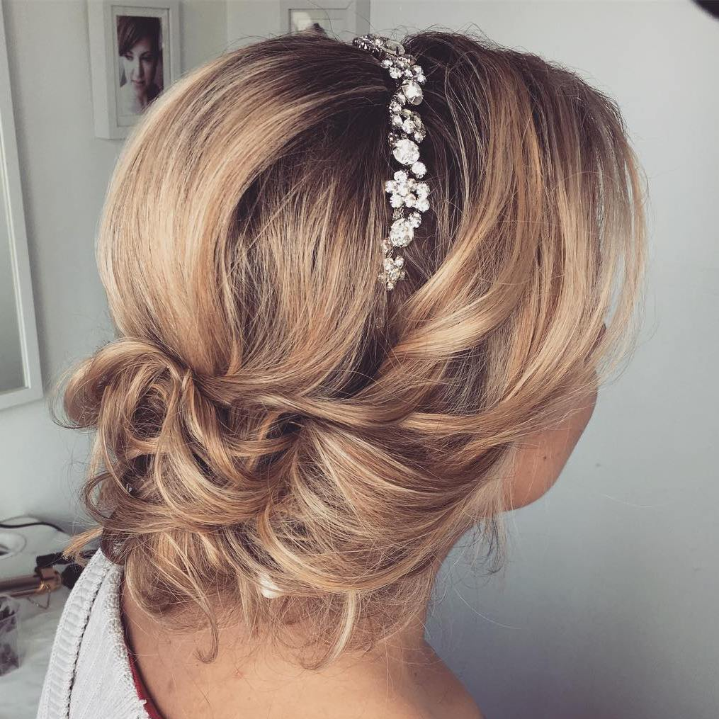 Bridesmaid hairstyles for medium length hair pictures