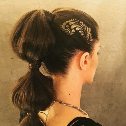 Bubble Ponytail With Gold Stencil