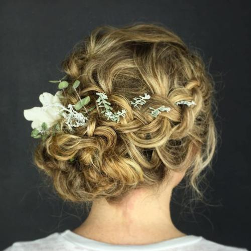 Wedding Style Curly Hair: 20 Soft Curly Wedding Hairstyles