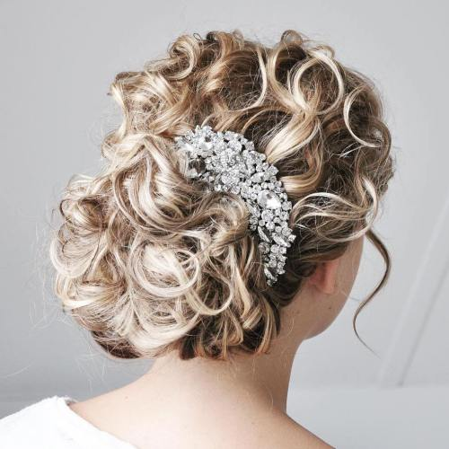 Classic Bridal Updo Hairstyle : 20 soft and sweet wedding hairstyles for curly hair 2017