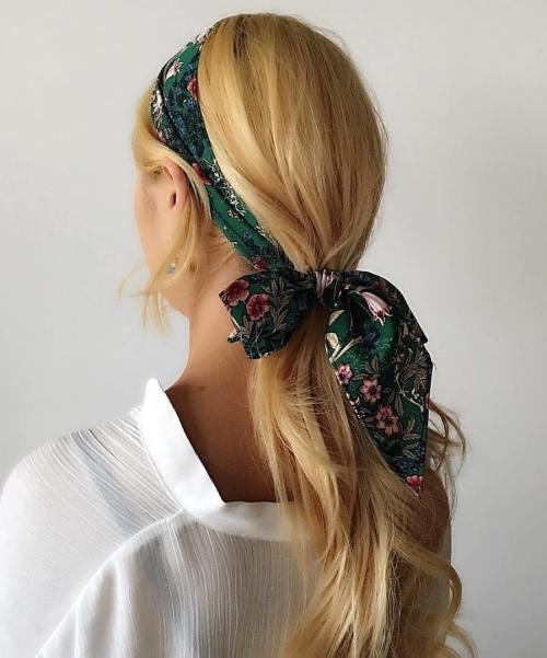 Low Pony With Headscarf