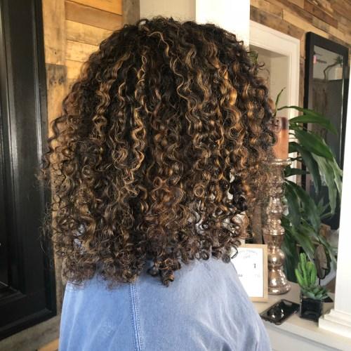 Medium Curls With Caramel Highs