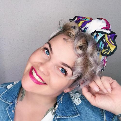10 Coiffures Rapides Et Faciles Pour Les Cheveux Courts