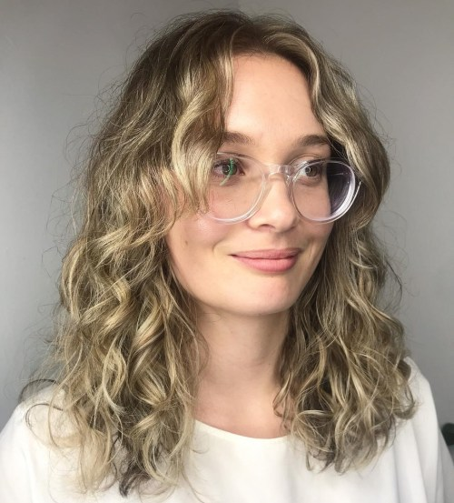 20 Chicest Hairstyles for Thin Curly Hair – The Right Hairstyles