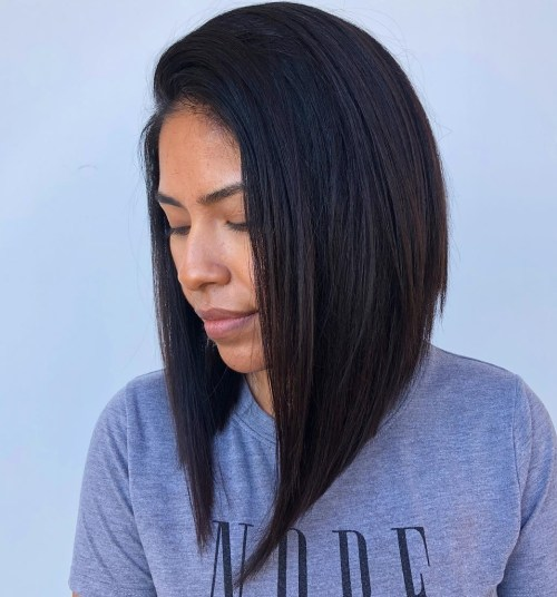 Side-Parted Angled Bob Blowout
