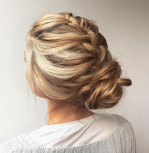 20 Best Professional Hairstyles for Women to Try