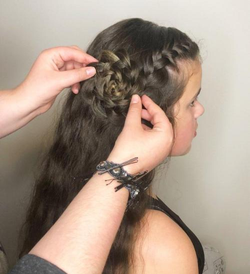 How to Do a Flower Braid: Step 9
