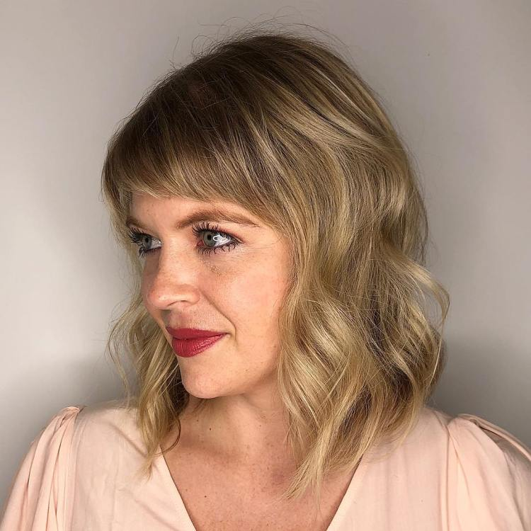 Wavy Bob With Short Side Bangs