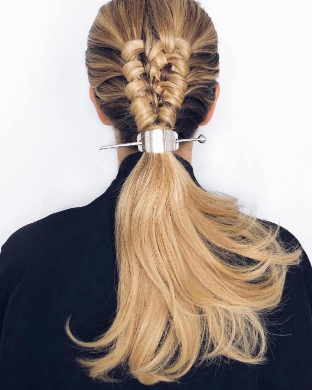 Ponytail With A Strict Clasp