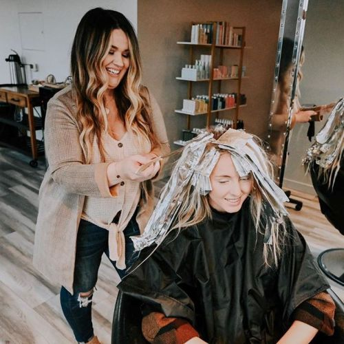 Hairsylist And Clients Communication