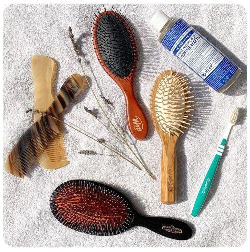 Hair Brushes Cleansing Method
