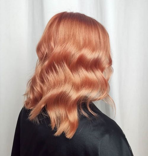 Glossy Peach Waves