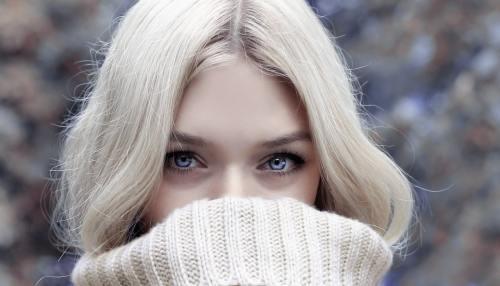 Static Hair in Winter