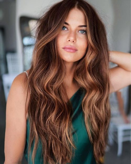 Long Red Brown Hairstyle with Highlights