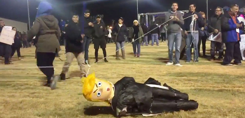 Crowd beats the CRAP out of a Trump piñata at Beto rally and the media doesn't report it!