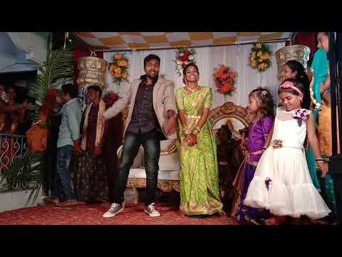 திருமண வரவேற்பில் மணமக்கள் போட்ட செம டான்ஸ்