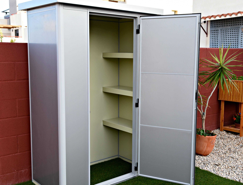 Thermoestank trasteros garajes y armarios prefabricados for Garaje metalico prefabricado