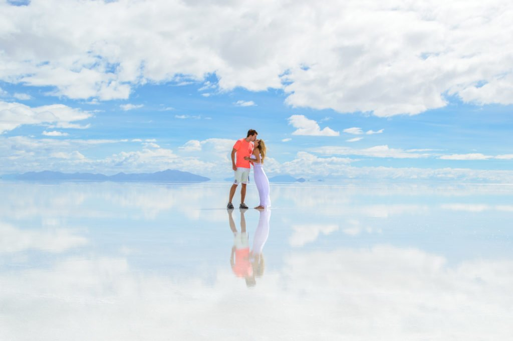 uyuni chat rooms Highlights of bolivia  uyuni - experience the dreamlike  at chincana we find a meandering network of rooms and passageways that link together around a.