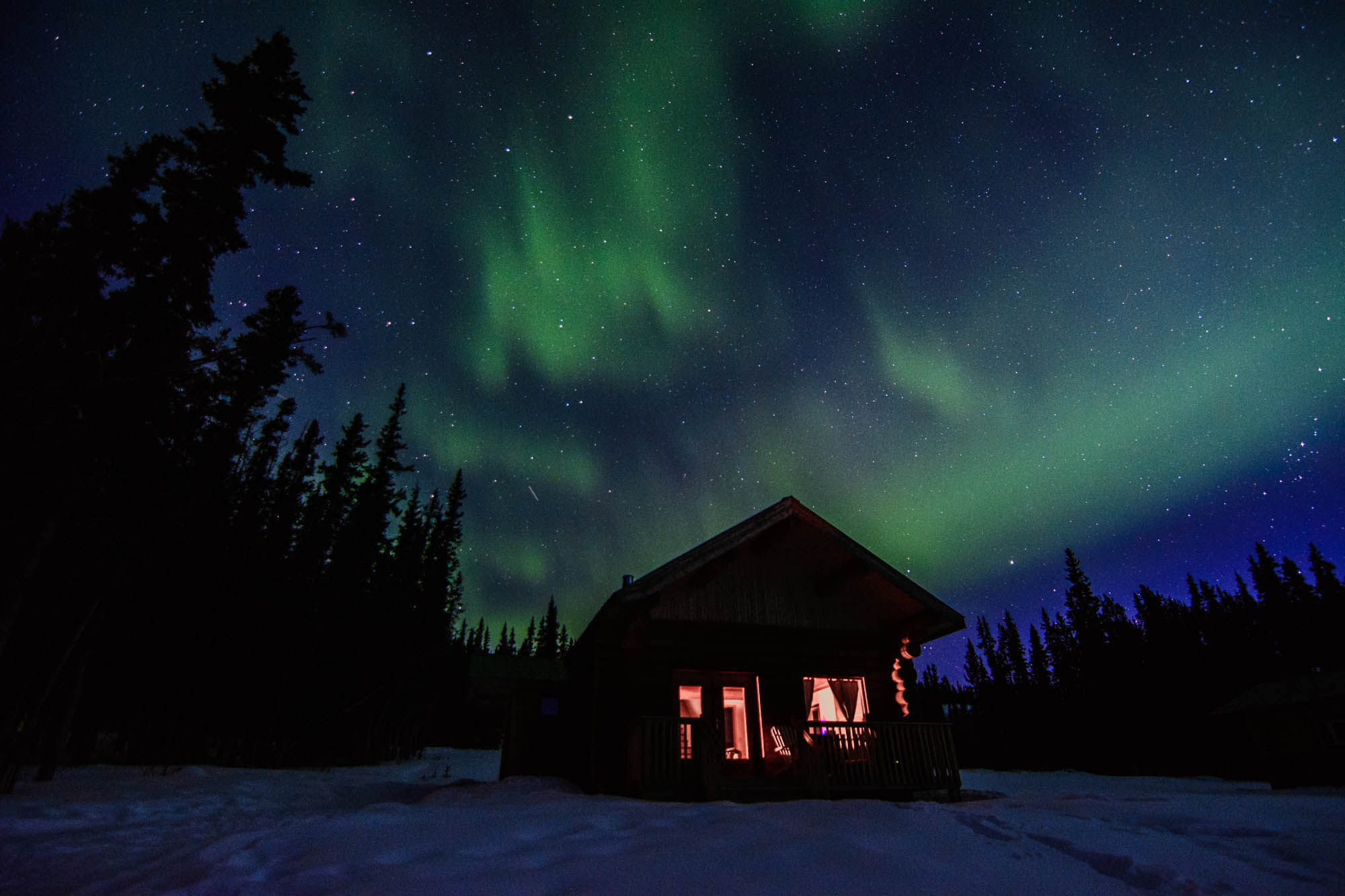 The Road Les Traveled captures the northern lights in yukon, canada