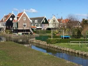 Marken canal
