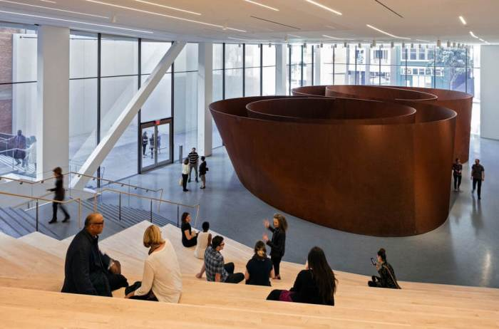 Sequence sculpture: Roberts Family Gallery featuring Richard Serra's Sequence(2006) at SFMOMA; photo: © Henrik Kam, courtesy SFMOMA.