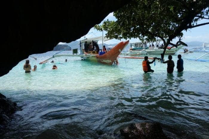 El Nido island hopping, El Nido Tour, Sailing through unbelievable turquoise waters to the awe inspiring Big Lagoon and hidden beaches of El Nido, Philippines, Secret Lagoon, Secret beach, Boat trip, Boat tour, How much are the boat tours in El Nido, How to go on a boat tour in El Nido, Sea, Water, Beach, Paradise, Best vacation spots, holiday, 7 commandos beach, Snake Island, sand bar, Shimizu Island, small lagoon, big lagoon, kayak, snorkel, Palawan,