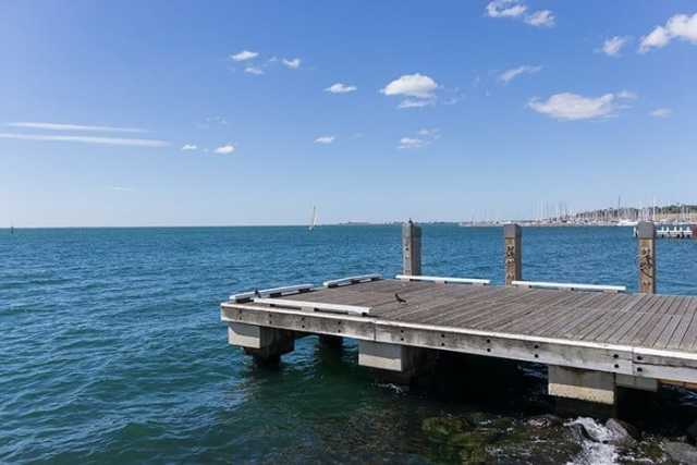 Geelong, beach, pier, The most incredible day trips to take from Melbourne, Australia, Melbourne day trips, Things to see around Melbourne, what to do outside of Melbourne, things to do in Victoria, Victoria outside of Melbourne, things to do outside melbourne, melbourne day tours, melbourne day trips, melbourne activities, Melbourne weekend trip, visit melbourne, day trips from melbourne, Geelong, Great Ocean Road, Mornington Peninsular, Bendigo, Grampians, day trip ideas, public transport, day tours from melbourne, Brighton, Brighton beach boxes, St. Kilda, Luna Park, Penguins, Penguins Melbourne, Melbourne to Bendigo, Melbourne to Geelong, torquay, beaches near Melbourne, Bells beach, surfing near Melbourne, best beaches near Melbourne, day trip Great Ocean Road, things to do in Melbourne, Melbourne highlights, things to do in Geelong, things to do in Bendigo, places to see in the Grampians, places to see on Great Ocean Road,