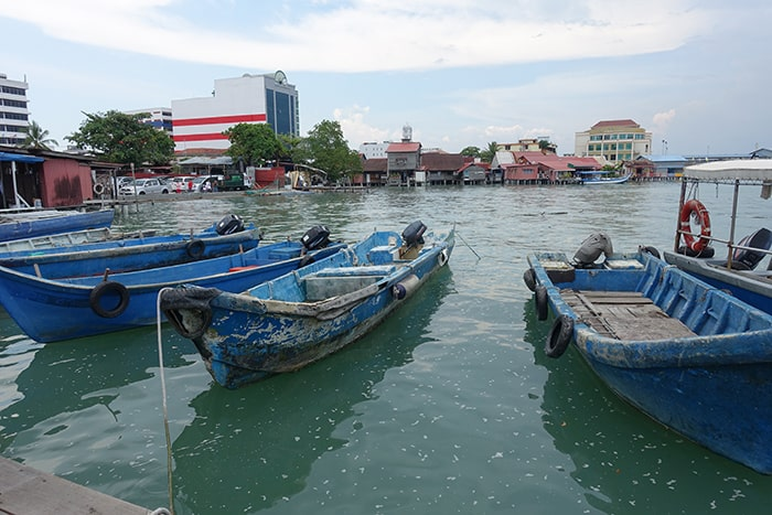 Penang Itinerary: What to do in Penang in 3 days: Georgetown Malaysia guide. Local jetty