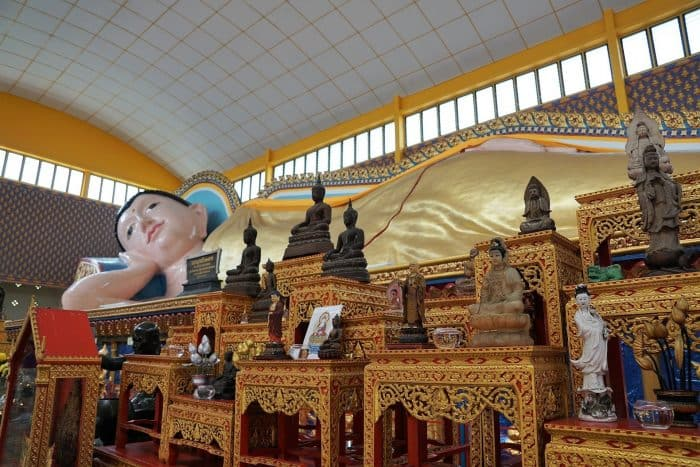 Penang Itinerary: What to do in Penang in 3 days. A Guide to this Beautiful & Historic Town in Malaysia: Wat Chayamangkalaram, Buddhist Temple, Thai Temple, reclining Buddha, George Town