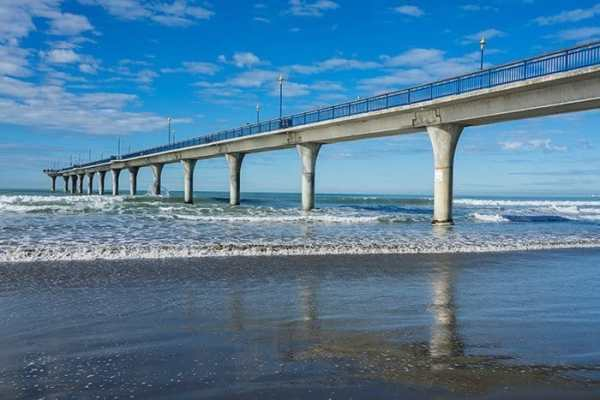Brighton Pier in Christchurch, New Zealand, travel photography tips for beginners, Tips on travel photography, tips for travel photography, tips for better travel photos, How to take better photos, composition, Street photography, portrait photography, landscape photography,