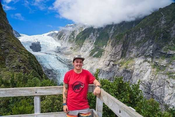 Franz Josef Glacier in New Zealand on the Robert's Point hike, travel photography tips for beginners, Tips on travel photography, tips for travel photography, tips for better travel photos, How to take better photos, composition, Street photography, portrait photography, landscape photography,