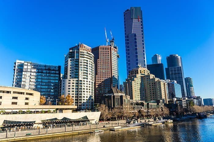 Melbourne 5 day itinerary: best places to visit in Melbourne. Princes Bridge and Melbourne Skyline with Eureka tower.